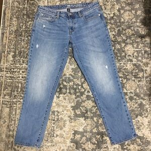 """Distressed Cropped Boyfriend Gap Jeans """"Coupe"""""""